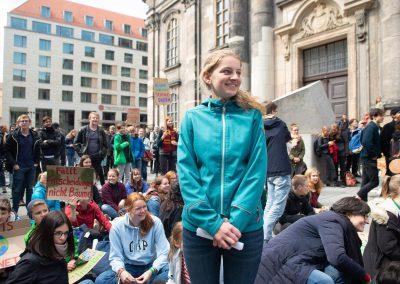 Fridays for Future, Poetry-Slammerin Clara Hanitzsch , Dresden, Sächsische Zeitung 5/2019