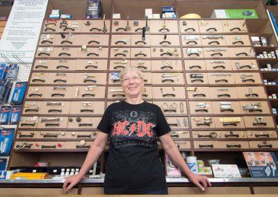 Lolita Kliemann ist Inhaberein einer der Letzten Eisenwarenläden, Dresden, Sächsische Zeitung 8/2016