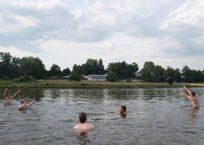 Menschen am Fluss, Elbe, Dresden, 2015/16