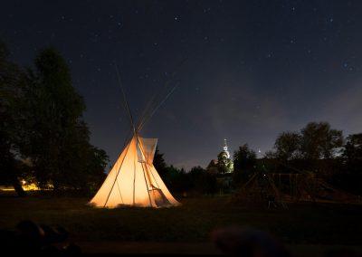 Claras Spielwiese mit Sternen